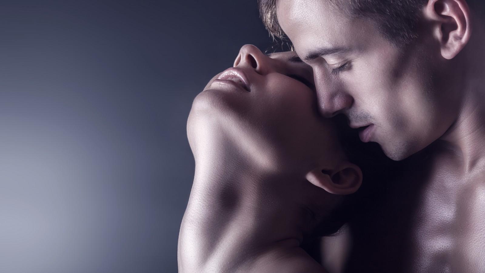 Фотки про любовь парень и девушка голые 4 фотография